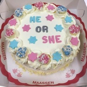 Gender reveal slagroom taart